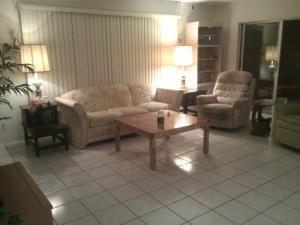 917 Dr Terrace Delray-Beach, FL 33445