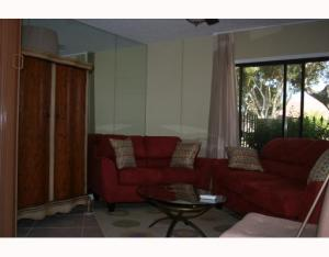 Additional photo for property listing at 377 Prestwick Lane 377 Prestwick Lane Palm Beach Gardens, Florida 33418 United States