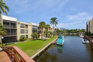 Condominio por un Alquiler en Boca Bayou, 2 Royal Palm Way 2 Royal Palm Way Boca Raton, Florida 33432 Estados Unidos