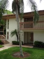共管式独立产权公寓 为 出租 在 135 Brackenwood Road 135 Brackenwood Road 棕榈滩花园, 佛罗里达州 33418 美国