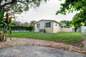 Casa Unifamiliar por un Alquiler en 500 NE 139th Street North Miami, Florida 33161 Estados Unidos