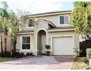 Single Family Home for Rent at LAKES OF LAGUNA, 4155 Meade Way 4155 Meade Way West Palm Beach, Florida 33409 United States