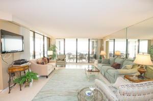 共管式独立产权公寓 为 出租 在 600 Ocean Drive 600 Ocean Drive 朱诺海滩, 佛罗里达州 33408 美国