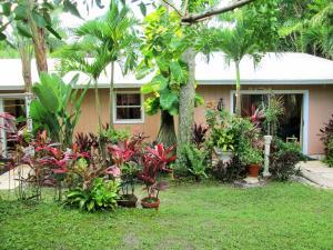 Hobe Hills - Papaya Village
