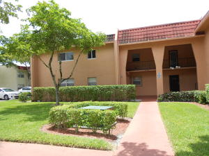 Condominio por un Alquiler en 341 Lake Frances Drive 341 Lake Frances Drive West Palm Beach, Florida 33411 Estados Unidos
