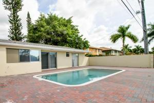 独户住宅 为 出租 在 1408 SW 22nd Avenue 1408 SW 22nd Avenue 德尔雷比奇海滩, 佛罗里达州 33445 美国