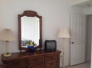 共管式独立产权公寓 为 出租 在 2080 Greenview Shores Boulevard 2080 Greenview Shores Boulevard 惠灵顿, 佛罗里达州 33414 美国