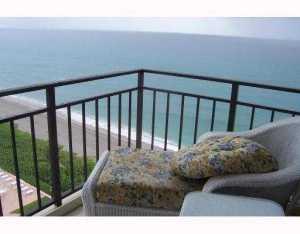 Condominio por un Alquiler en 3009 S Ocean Boulevard 3009 S Ocean Boulevard Highland Beach, Florida 33487 Estados Unidos