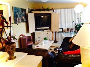 Additional photo for property listing at 1801 Hillcrest 1801 Hillcrest Lake Worth, Florida 33461 United States