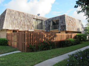联栋屋 为 出租 在 624 Springdale Circle 624 Springdale Circle Palm Springs, 佛罗里达州 33461 美国