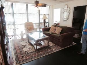 Property for sale at 800 Parkview Drive Unit: 130, Hallandale,  FL 33009