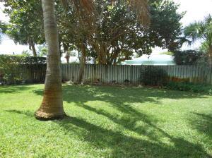 Additional photo for property listing at 325 Hernando 325 Hernando Fort Pierce, Florida 34949 Estados Unidos