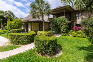 Appartement en copropriété pour l Vente à 2835 Polo Island Drive 2835 Polo Island Drive Wellington, Florida 33414 États-Unis