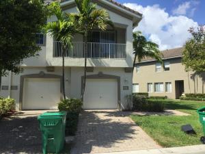 Condominio por un Alquiler en 3242 Laurel Ridge 3242 Laurel Ridge West Palm Beach, Florida 33404 Estados Unidos