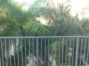 Additional photo for property listing at 802 W Windward Way 802 W Windward Way Lantana, Florida 33462 Estados Unidos