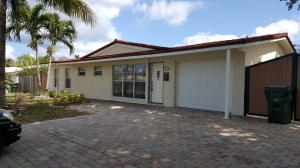Single Family Home for Rent at 1122 W Camino Real 1122 W Camino Real Boca Raton, Florida 33486 United States