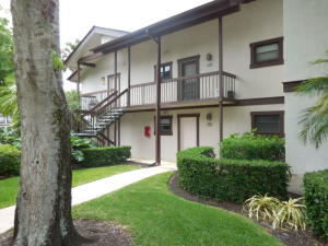 Condominium for Rent at 11863 Wimbledon Circle 11863 Wimbledon Circle Wellington, Florida 33414 United States