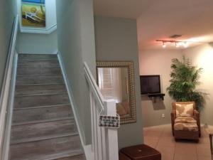 Additional photo for property listing at 188 W Thatch Palm Circle 188 W Thatch Palm Circle Jupiter, Florida 33458 United States