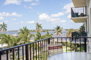 Portofino South Condo Ests Of South Palm