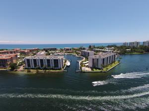 Yacht & Racquet Club Of Boca R