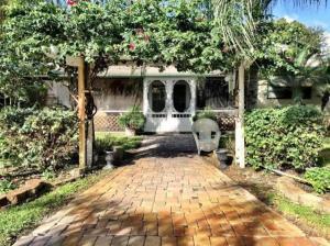 Florida Gardens 3