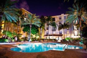 Property for sale at 630 S Sapodilla Avenue Unit: 413, West Palm Beach,  FL 33401