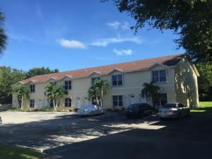 Apartamentos multi-familiares para Venda às 13519 S Indian River Jensen Beach, Florida 34957 Estados Unidos