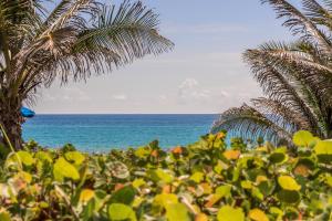 Property for sale at 6530 N Ocean Boulevard Unit: 301, Ocean Ridge,  FL 33435