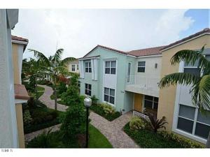 Centra, Blue Lakes Townhomes