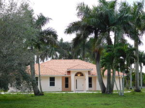 Casa para uma família para Venda às 2379 B Road 2379 B Road Loxahatchee Groves, Florida 33470 Estados Unidos