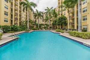 Flagler Pointe Condominium