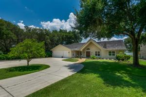 Single Family Home for Sale at 10220 SE 139th Place Summerfield, Florida 34491 United States