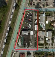Commercial pour l Vente à 570 S Dixie Highway 570 S Dixie Highway Lantana, Florida 33462 États-Unis