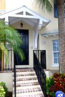 Townhouse for Sale at 336 W Mallory Circle 336 W Mallory Circle Delray Beach, Florida 33483 United States