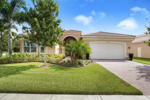 Single Family Home for Sale at 10462 Whitewind Circle 10462 Whitewind Circle Boynton Beach, Florida 33473 United States
