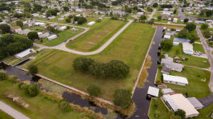 Commercial for Sale at 1141 Orange Loop Okeechobee, Florida 34974 United States