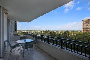 Additional photo for property listing at 3800 N Ocean Drive 3800 N Ocean Drive Singer Island, Florida 33404 United States