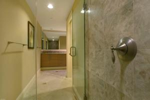 Additional photo for property listing at 3800 N Ocean Drive 3800 N Ocean Drive Singer Island, Florida 33404 Estados Unidos