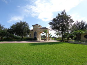 Additional photo for property listing at 6330 SW Saddlebrook Lane 6330 SW Saddlebrook Lane Palm City, Florida 34990 United States