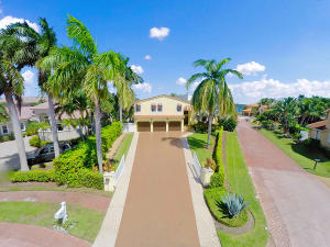 Single Family Home for Sale at 713 Presidential Drive Boynton Beach, Florida 33435 United States