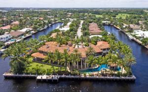Einfamilienhaus für Verkauf beim 2900 NE 37th Street Fort Lauderdale, Florida 33308 Vereinigte Staaten