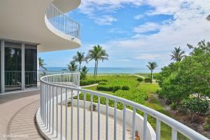 Condominium for Sale at 2001 SE Sailfish Point Boulevard Stuart, Florida 34996 United States