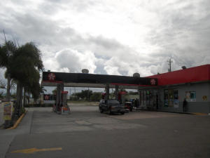 Additional photo for property listing at 1901 N Dixie Highway 1901 N Dixie Highway Lake Worth, 佛罗里达州 33460 美国