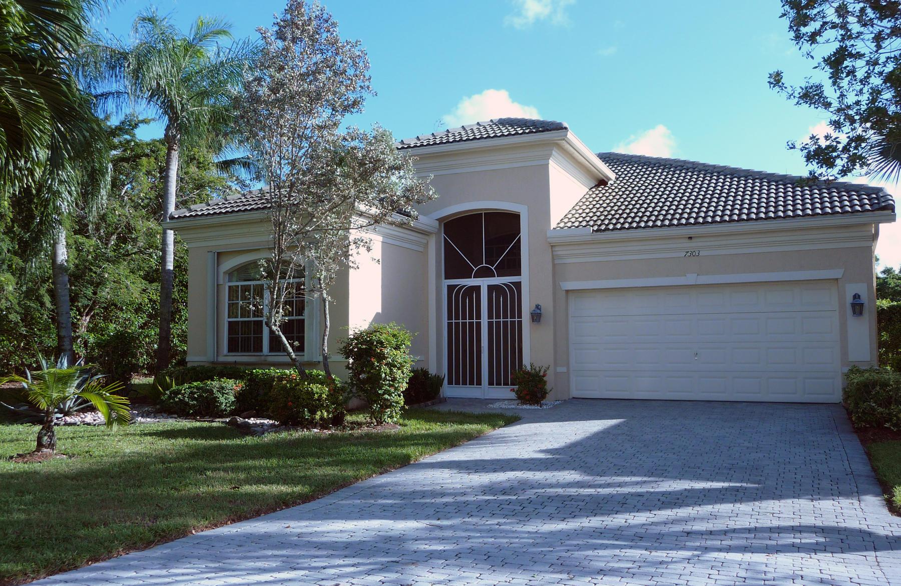 7303 Demedici Circle Delray Beach, FL 33446