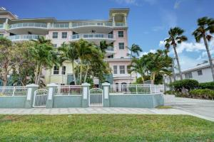 Townhouse for Sale at 2051 SE 3rd Street Deerfield Beach, Florida 33441 United States