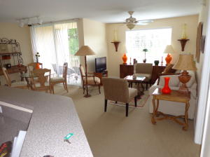 Additional photo for property listing at 1215 Villa Lane 1215 Villa Lane Boynton Beach, Florida 33435 Estados Unidos