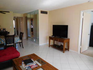 Additional photo for property listing at 4489 Luxemburg 4489 Luxemburg Lake Worth, Florida 33467 Vereinigte Staaten