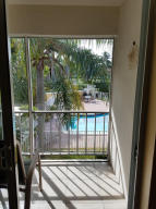 Additional photo for property listing at 207 Tropic Isle Drive 207 Tropic Isle Drive Delray Beach, Florida 33483 États-Unis