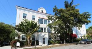 The Charmer Apartments & Villa