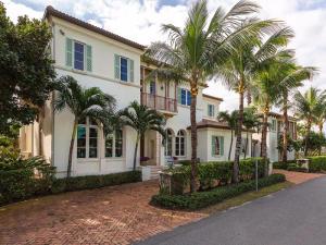 Casa para uma família para Venda às 710 N Ocean Boulevard Delray Beach, Florida 33483 Estados Unidos